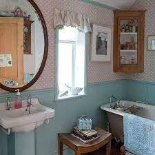 Creative Interior Decorating In Vintage Style Bringing Bold Colors Into Room Decor Vintage Bathrooms Vintage Bathroom Decor Bathroom Decor
