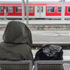 Welche rechte fahrgäste haben, zeigt ihnen das video. Bahnstreik Aktuell Im Mai 2015 Streik Der Gdl Superstaus Uber Pfingsten Shz De
