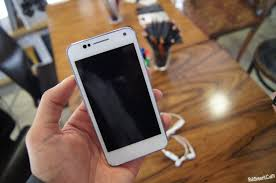Allview P4 Duo: Android-смартфон из ...
