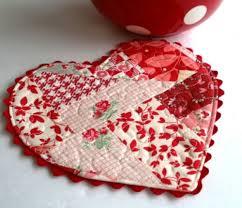 heart shaped mug rug