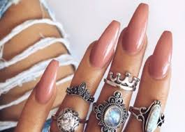So These Are The 10 Most Popular Shellac Colours In The