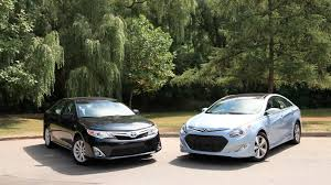 2012 Toyota Camry vs 2012 Hyundai Sonata Hybrid Comparison - YouTube
