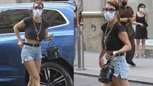 """Hande Yener: """"Çok daha açık bir kostümle sahneye çıkacağım"""" haberi"""