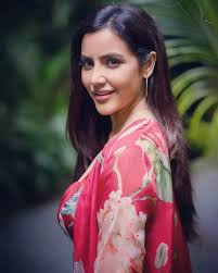 """Priya Anand on Twitter: """"Make Your Heart The Most Beautiful Thing About  You! ❤️… """""""