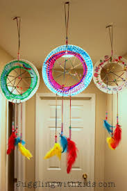 Aboriginal Dream Catchers Make these beautiful paper plate dream catchers with your children 73