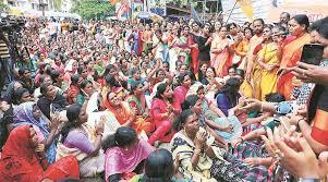பெண்கள் வந்தால் நாங்களே தடுப்போம், சபரிமலை காப்போம்