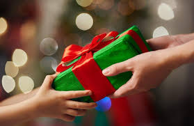 10 gift exchanging games to play on