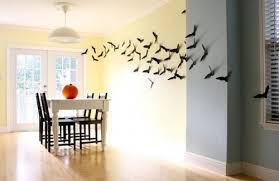 how to decorate your walls with bats for