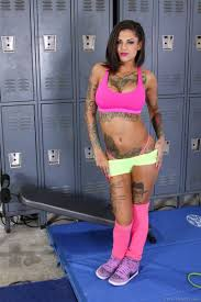 Bonnie Rotten gets her pussy worked out at the gym Evil Angel.