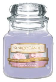 <b>Ароматическая свеча Morning Rose</b> Yankee Candle купить, цена ...