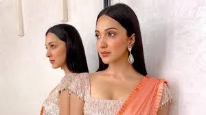 Manish Malhotra Designer Blouse Collection Kiara Advani Attends A Wedding In A Manish Malhotra Saree