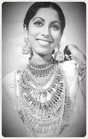 Young Samina Peerzada - Pakistan Old Memories | Facebook