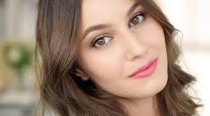 7 trik mudah untuk dapatkan makeup natural yang bikin kulit tak lebih cerah
