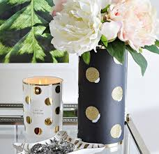 Never fear, because Monica Wants It has created a flower vase inspired by  the brandon a shoestring budget!