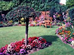 Small Picture Beautiful gardens Ian T Geograph Britain and Ireland