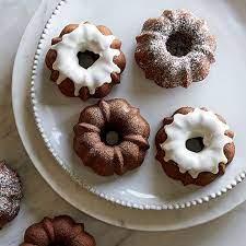mini clic chocolate bundt cakes