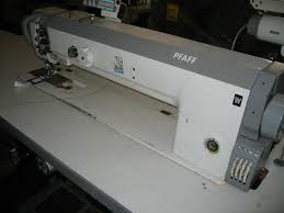 Sieck: PFAFF Kl. 1427-706/05-900/81 single needle flat bed long ... & PFAFF Kl. 1427-706/05-900/81 single needle flat bed long arm sewing machine  with 650 mm arm length with triple transport, large hooks, thread trimmer,  ... Adamdwight.com