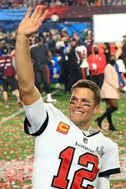 Tom Brady Shows Off His 7 Super Bowl ...