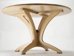 bespoke round dining table in solid oak