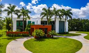 Futuristic Homes For Sale Luxury Homes For Sale Luxury Real Estate Luxury Portfolio
