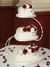 13 Perfectly Sweet Heart Shaped Wedding Cakes Topweddingsitescom