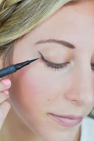 the cat eye flick otherwise known as lauren conrad s signature look is a flirty little makeup trick every should have