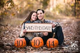 amazing ideas for a fall engagement the snapknot blog