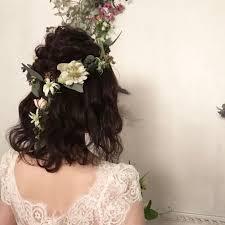 ハーフアップでナチュラルに花嫁さまの髪型アレンジ集 ドレッシーズ