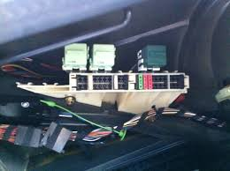 where is my fuel pump relay pic inside bimmerfest bmw forums this is whats in my trunk fuse box am i missing something
