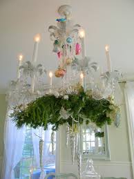 chandeliers are really fun to decorate for the holidays and every year i do mine a little bit diffely