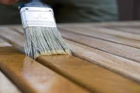 Limpeza da superfície, e aplicação da primeira demão, com pincel ou rolo, sempre no sentido dos veios. Blog Stain Impregnante Para Que Serve E Como Aplicar Kaury