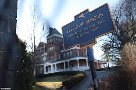 The alabama governor's mansion is the official residence of the governor of alabama and the governor's family in montgomery, the capital city of alabama. Cuomo S Staffers Have Stopped Going To Work And Believe He Should Resign London News Time