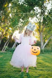 diy glinda the good witch wizard of oz costume that requires little to no sewing