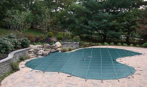 Automatic pool covers for odd shaped pools Infinity Pool Winter Saftey Covers Aquasafe Unlimited Pool And Spa Covers Classic Pool And Spa