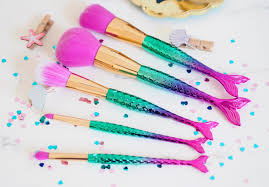 through 7 31 at macy s score this tarte 5 piece mermaid makeup brush set for only 29 regularly this set is d at 42 this set
