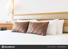 Komfortables Kissen Bett Dekoration Schlafzimmer Innenraum