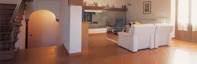 Pavimento Cotto Rosso : Il ferrone cotto pretrattato a cera arrotato classico e