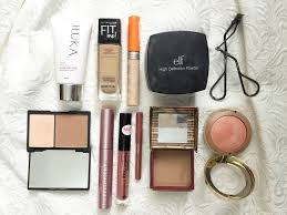 this is my cur go to makeup routine which i usually wear to work my routine is pretty basic as 99 of the time i m running late and i don t