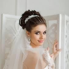 Как сделать пучок с короной на длину волос до плеч? Svadebnye Pricheski Na Srednie Volosy S Fatoj