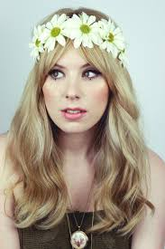 70s inspired makeup hair this look is ideal for the first day when your hair is