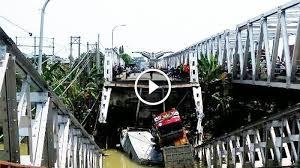 Rumah sakit di indonesia terdiri dari rumah sakit publik dan rumah sakit privat dengan jumlah total 2,773. Robohnya Jembatan Widang Tak Kuat Menahan Beban 3 Truk Tribun Jateng