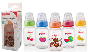 Decorated Plastic Bottles Pigeon SlimNeck Decorated Plastic Bottle 100ml Strawberry 80