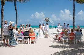 cancun wedding photographer wedding portrait riu cancun wedding beach wedding mexico luxury