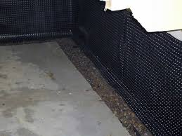 stops leaks inside basement waterproofing systems french
