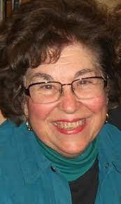 La nave de los locos: Dolores Koch, pionera en el estudio del microrrelato
