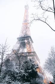 Wonderful Snowy Paris (iPhone Wallpaper)
