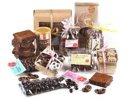 chocolate addict s gift basket with 6 brownies