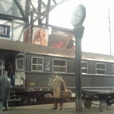 Risultati immagini per partenze alla stazione