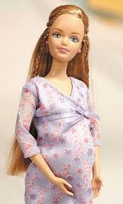 boneka barbie hamil melahirkan gambar barbie sedang mengandung