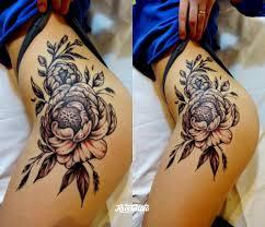 тату на бедро для девушек цветы узоры надписи розы дракон